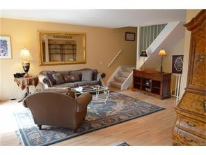 rochester hills rental backpage