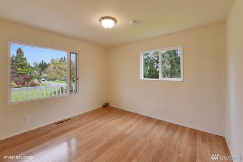 burien rental backpage
