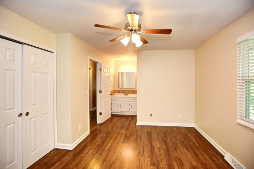 4908 NW Fisk Avenue - Ph. 561-271-4921 - Missouri apartments for rent - backpage.com - jodybeynon@yahoo